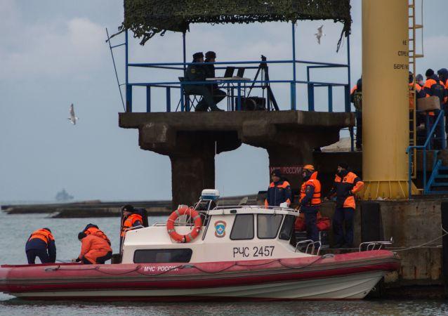 Crash du Tu-154: opération de recherche en cours
