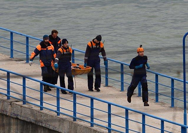 Crash du Tu-154: plusieurs victimes découvertes en gilet de sauvetage