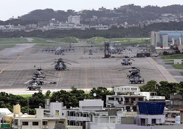 Avions et hélicoptères US à Ginowan, Okinawa