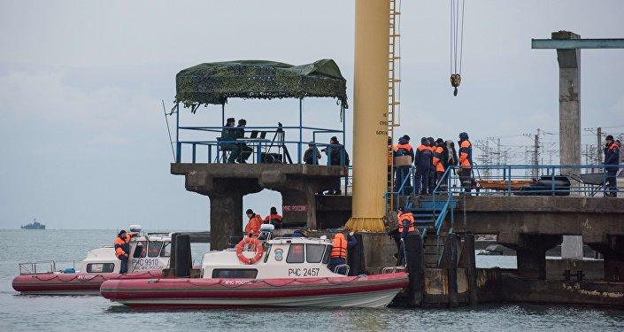 Crash de l'avion russe: une boîte noire retrouvée en mer Noire