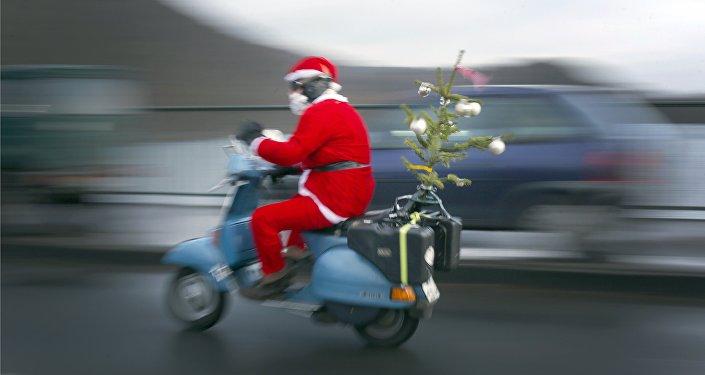 Un père Noël à moto
