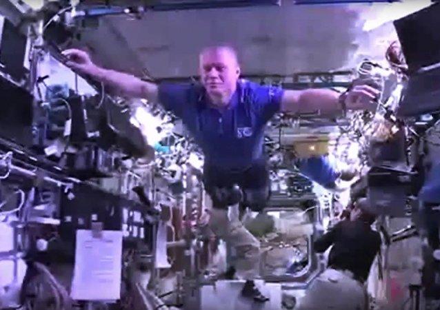 Les astronautes s'amusent