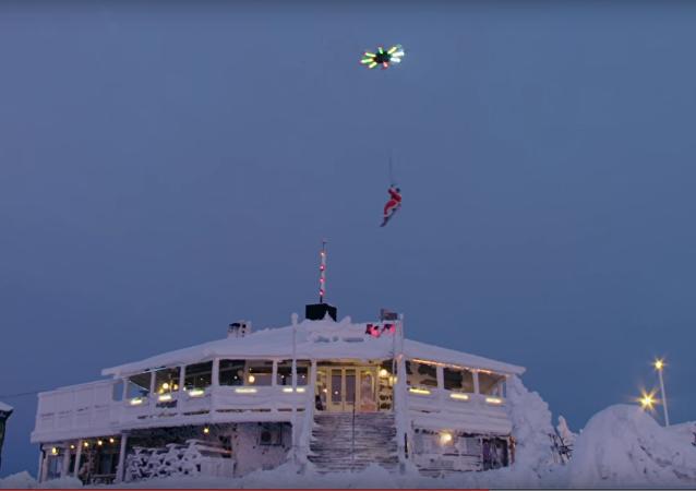 Quand le Père Noël troque ses rennes contre un drone