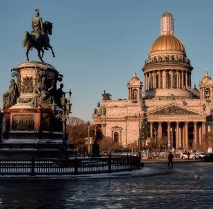 Grandeur et majesté de la cathédrale Saint-Isaac de Saint-Pétersbourg