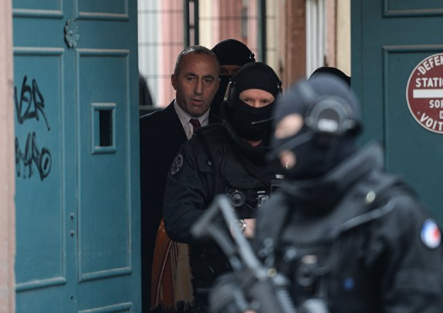 L'ex-chef rebelle kosovar Haradinaj remis en liberté en France