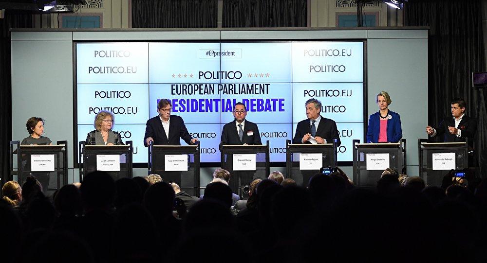 Candidats à la présidence du Parlement européen: Eleonora Forenza, Jean Lambert, Guy Verhofstadt, Gianni Pittella, Antonio Tajani, Helga Stevens et Laurentiu Rebega
