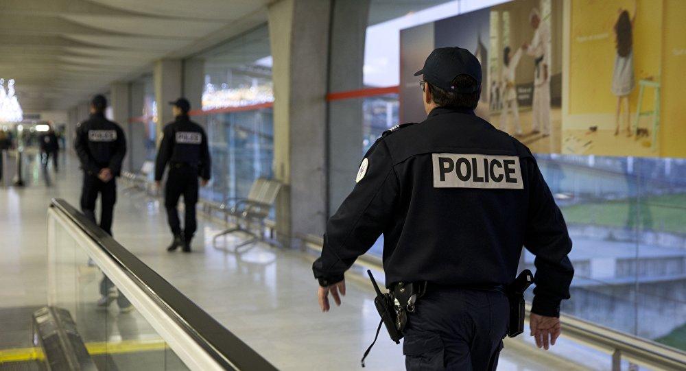 Une patrouille de police en France