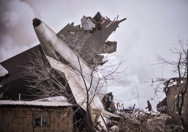 Opération de sauvetage suite au crash d'un avion-cargo au Kirghizstan