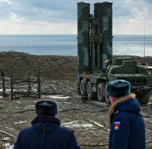 La mise en service d'un système S-400 en Crimée