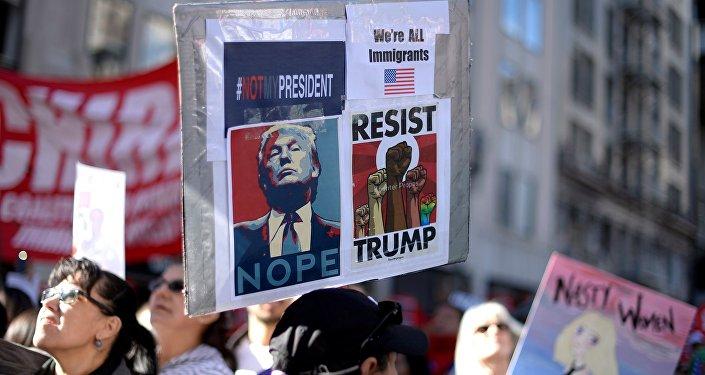 La Pologne accueille Trump… avec une manif anti-Trump