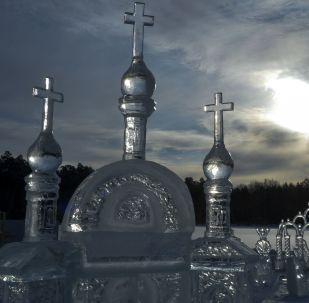 La fascinante ville de glace d'un couvent orthodoxe russe