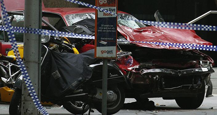 Une voiture fonce sur la foule à Melbourne