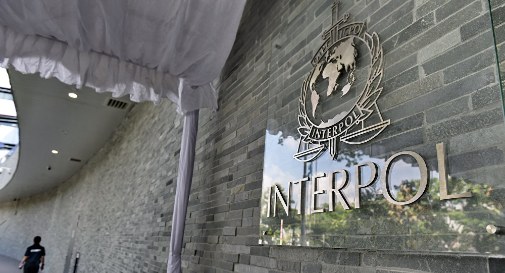 Le symbole de l'Interpol