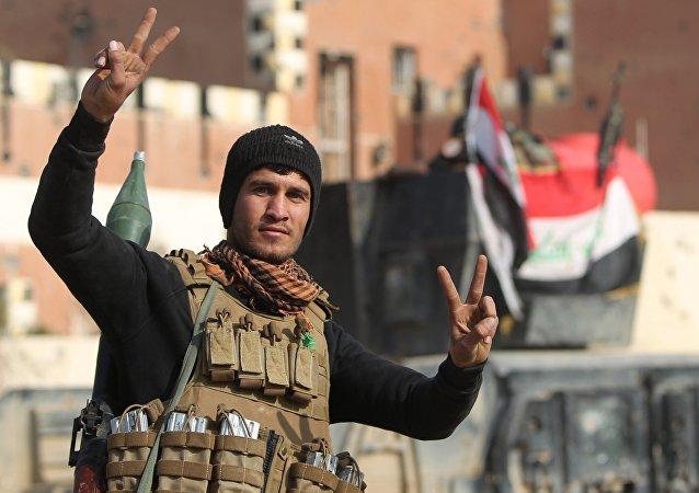 L'aviation irakienne détruit deux camps d'entraînement de Daech