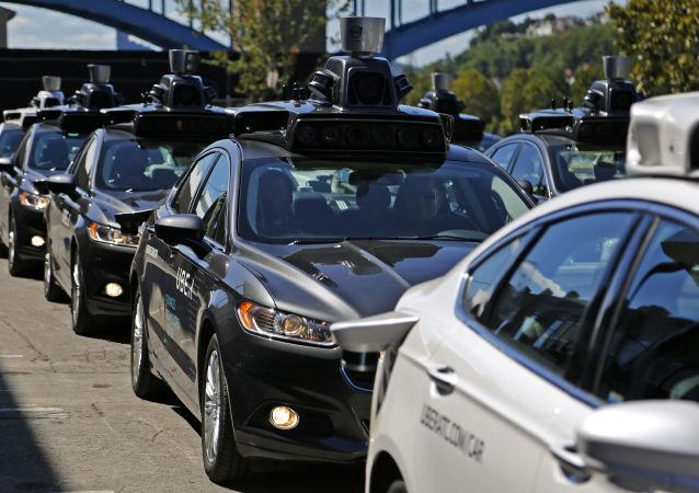 Uber: les voitures sans chauffeur verront-elles vraiment le jour?