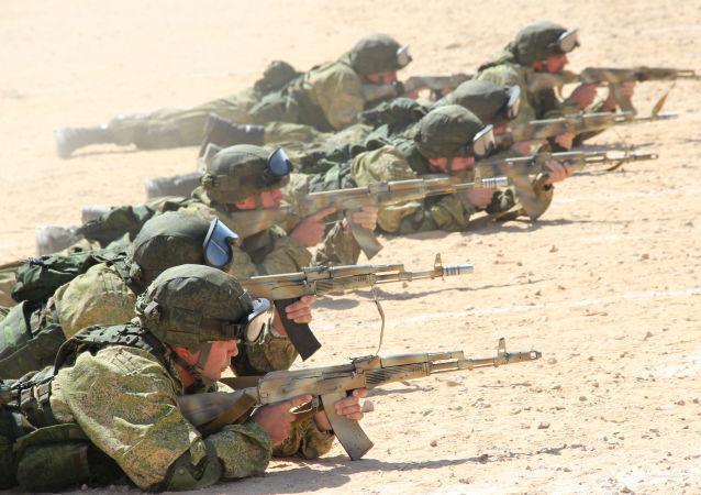 Poutine: il faut renforcer le potentiel militaire de l'armée russe