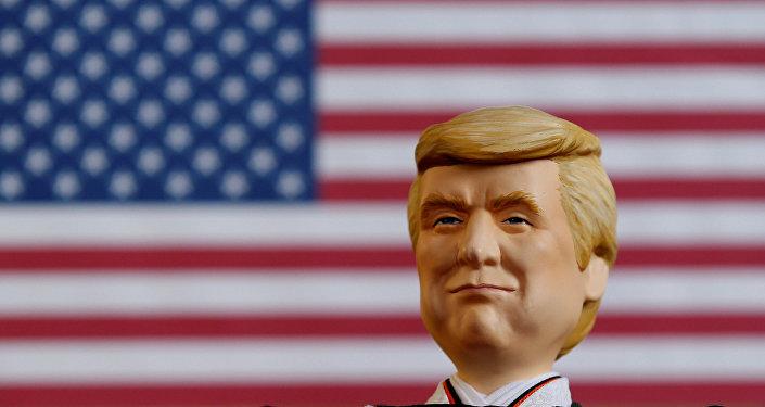 Une poupée réprésentant Donald Trump