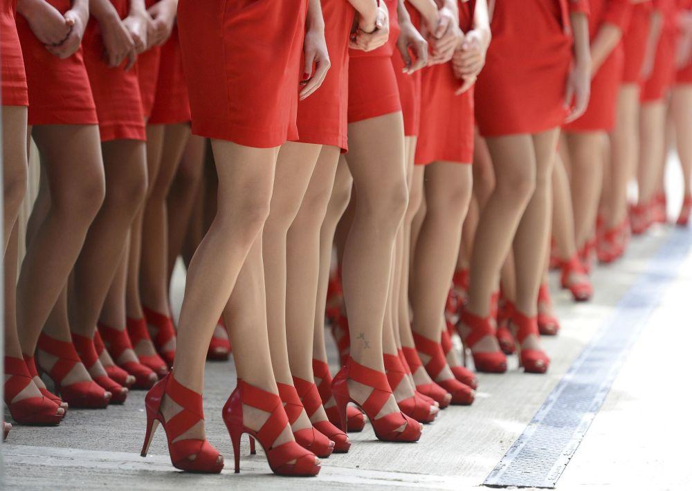 Des jeunes filles lors du Grand prix de Formule 1 à Silverstone, au Royaume-Uni