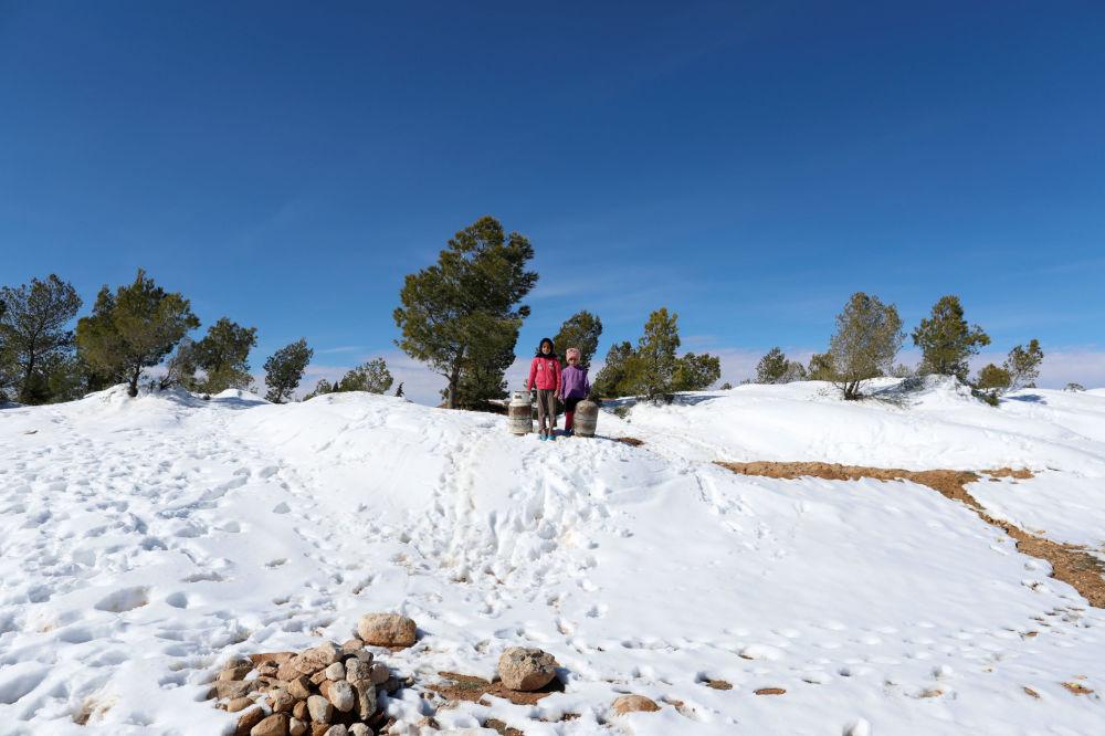 Chutes de neige sans précédent dans le Sahara