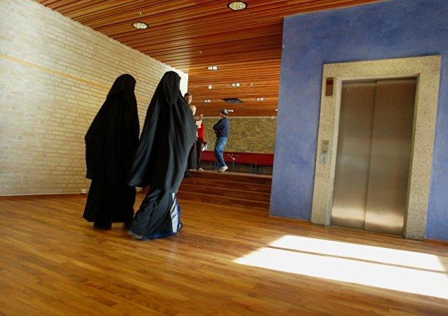 Le port de la burqa et du niqab désormais passible d'amende en Autriche