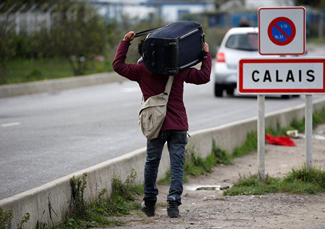 Un migrant à Calais