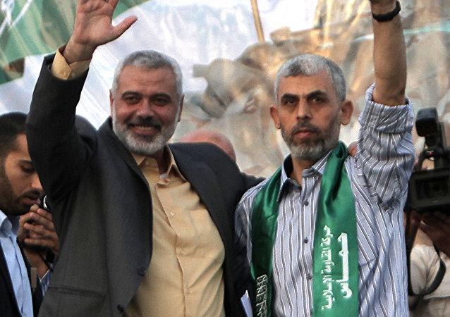 Ismaël Haniya (à gauche) et Yahya Sinwar (à droite), après sa libération en 2011