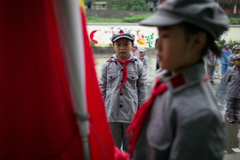 Des petits combattants de l'Armée rouge sont éduqués en Chine