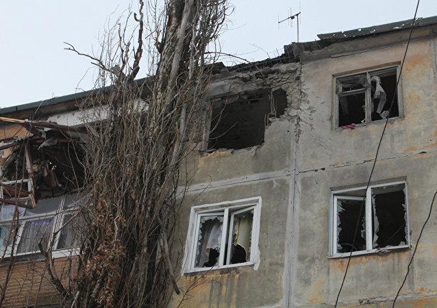 Donetsk à nouveau sous une pluie de projectiles malgré les accords de Minsk