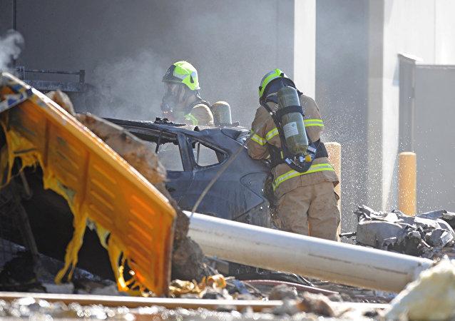 Australie: un avion léger s'écrase sur un centre commercial