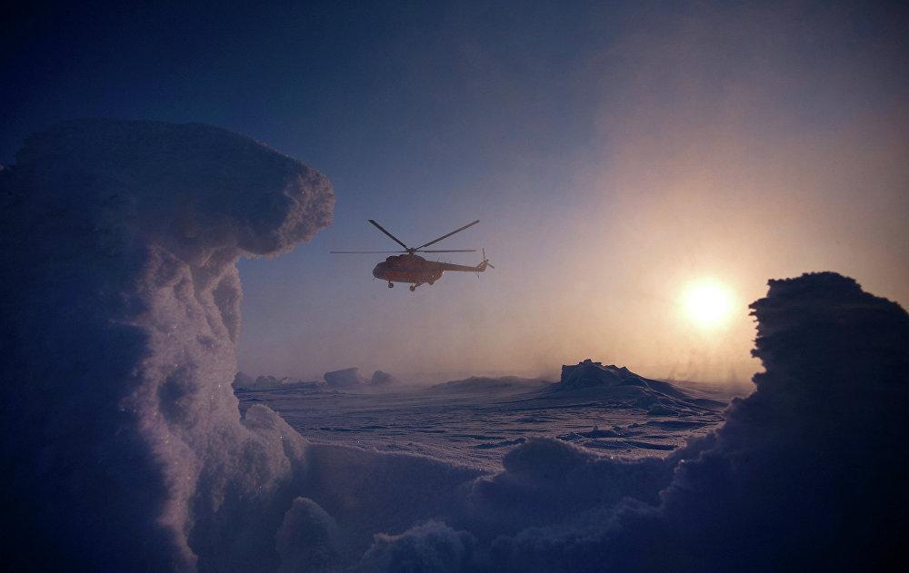 A deux pas du Pôle Nord: expédition Konioukhov-Simonov