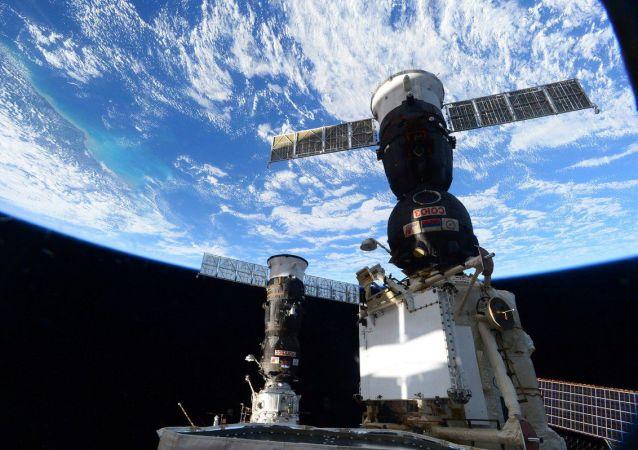 Снимок, сделанный с борта МКС астронавтом НАСА, борт-инженером Кейт Рубинс