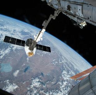 Le cargo Dragon s'arrime à l'ISS
