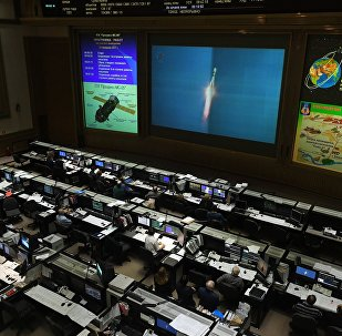 L'arrimage du cargo spatial Progress MS-05 suivi par le TsOuP