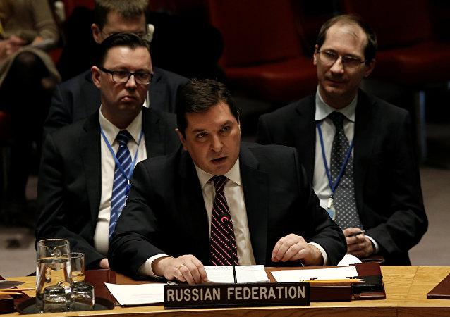 Le représentant permanent adjoint de la Russie à l'Onu, Vladimir Safronkov, lors du vote au Conseil de sécurité sur la résolution impliquant des sanctions contre la Syrie