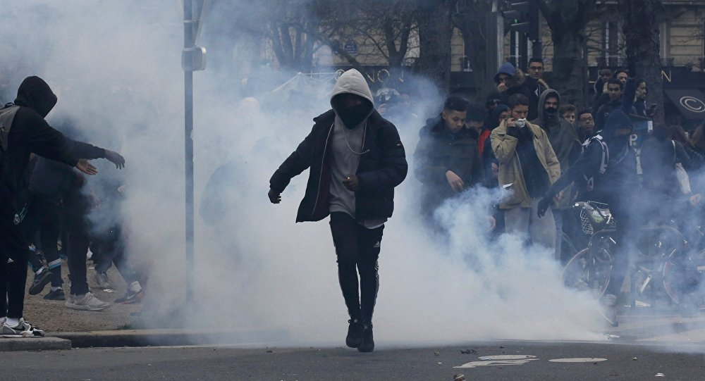 A Paris, 11 manifestants contre les «violences policières» interpellés