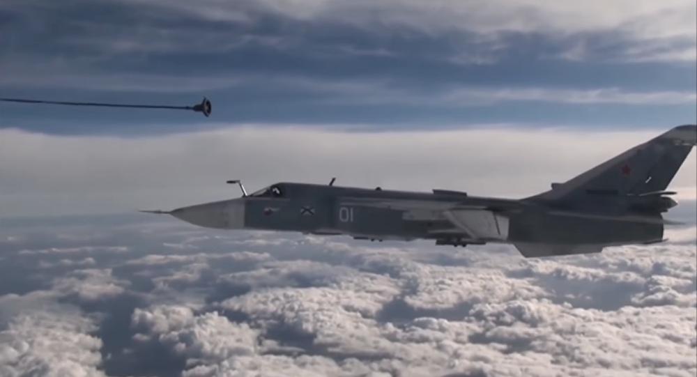 Ravitaillement d'un Su-24 au-dessus de la péninsule de Kola (VIDEO)