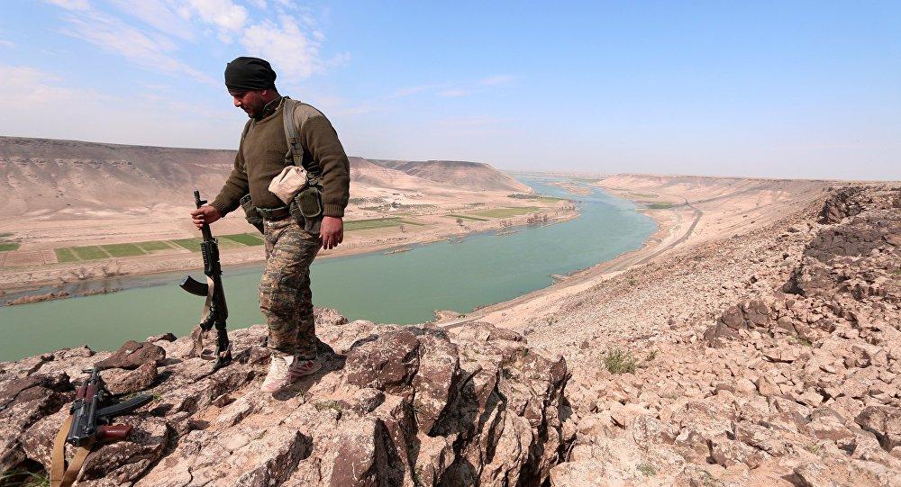 Pour la première fois en quatre ans, l'armée syrienne a atteint l'Euphrate