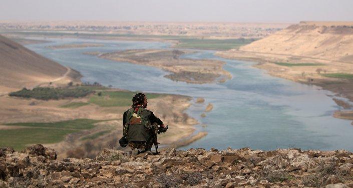 Une rive de l'Euphrate
