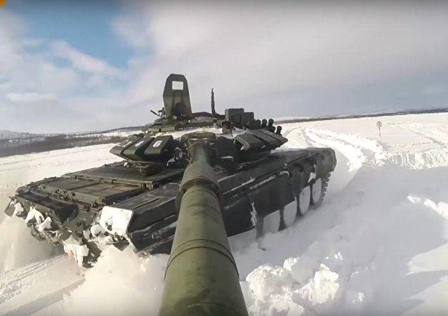 Les préparatifs du biathlon en chars d'assaut