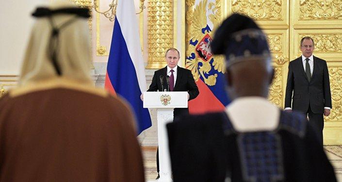 Poutine aux ambassadeurs étrangers: « Vous ne serez pas dédaignés en Russie »