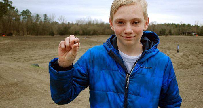 Kalel Langford a retrouvé par hasard un énorme diamant de 7,44 carats