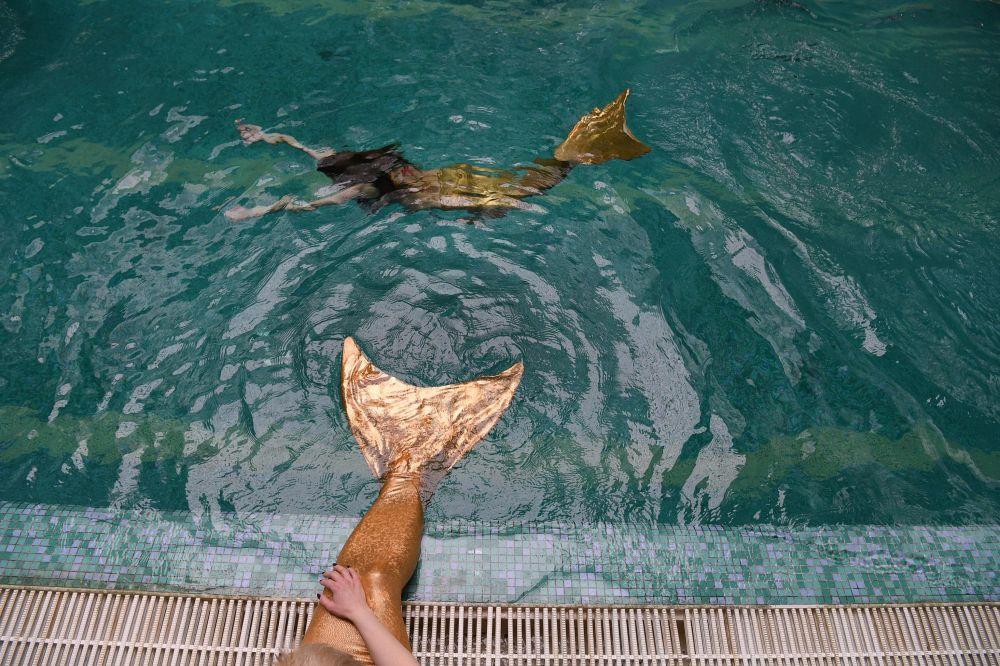 La nage avec monopalme est un excellent exercice physique surtout pour les abdominaux.