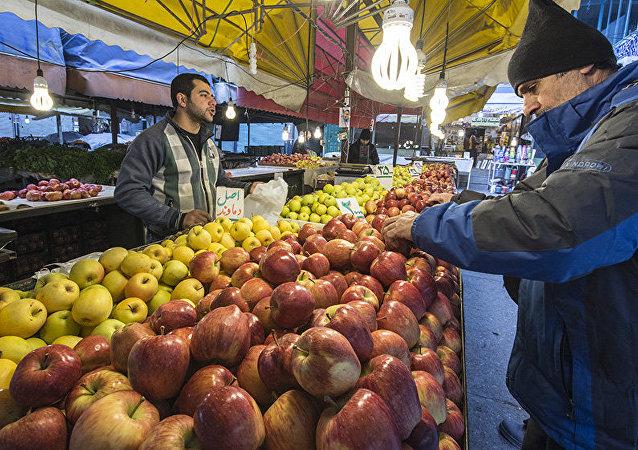 Sur un marché iranien, une semaine avant le Norouz