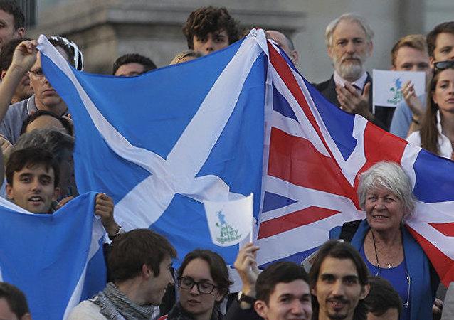 Référendum en Ecosse : la livre monte, les investisseurs parient sur le non