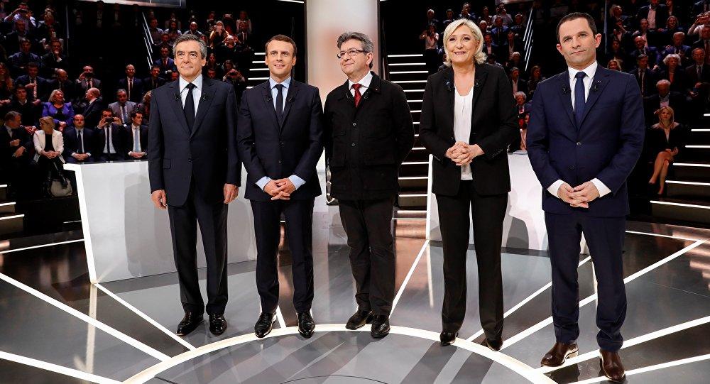 Sondage: Mélenchon fond sur Fillon, Macron et Le Pen en recul ?