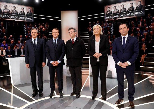 Les candidats et leur programme à l'internationale