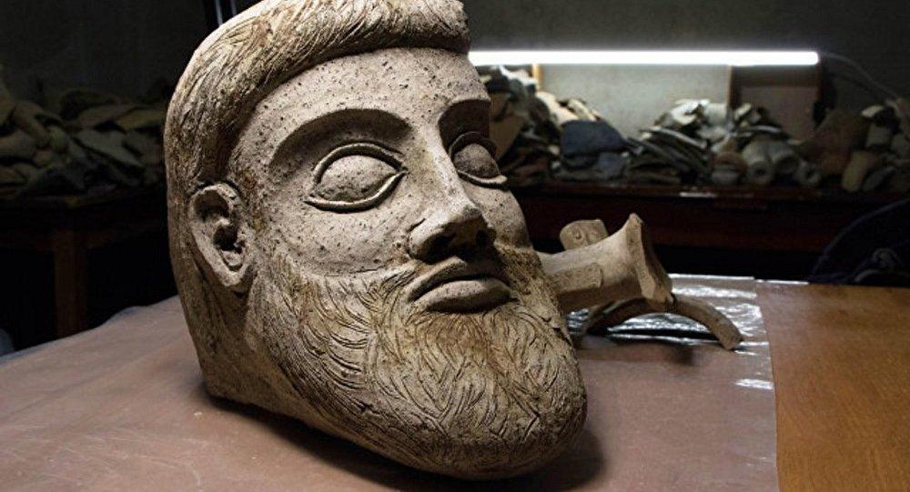 L'artefact trouvé dans la baie près du cap Aq-Burun