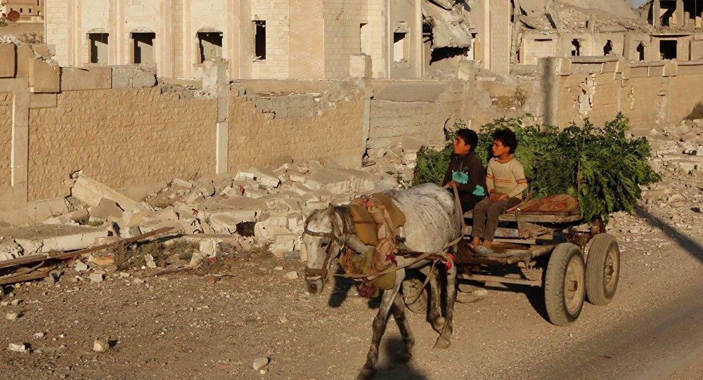 Un bâtiment de Raqqa détruit par une frappe de la coalition internationale