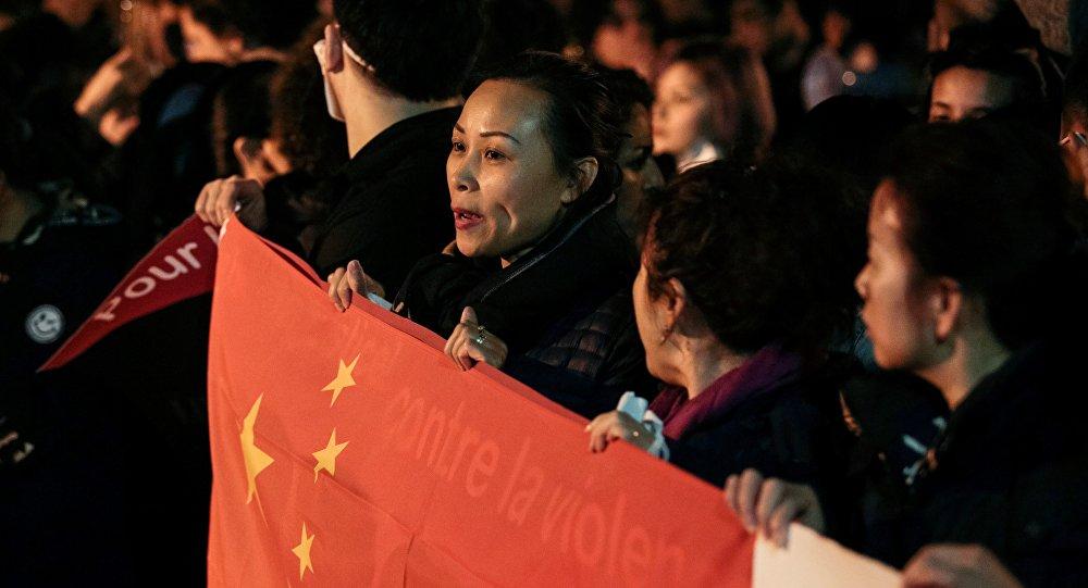 Manif de Chinois à Paris