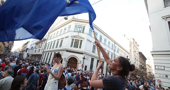 La Hongrie veut stopper Bruxelles et Soros